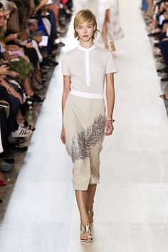 Personally I loved Tory Burch NYFW spring 2015 collection, so may wearable fresh new designs