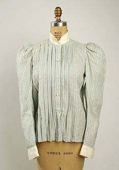 Shirtwaist: Worn as the new bodice for women. They were sometimes tailor-made and resembled mens shirts. The front pleating gave way to a pigeon chest and some people would even call it a uniboob.