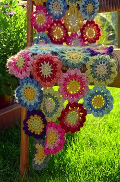 Japanese flower crochet scarf - I would totally love this!