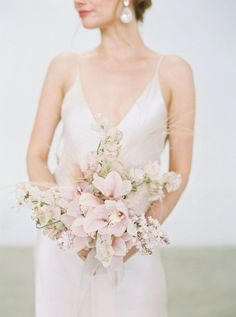 Want to embrace Pink for Your Wedding Style? This Editorial is for You! Wedding Flower Arrangements, Flower Bouquet Wedding, Floral Wedding, Flower Bouquets, Purple Wedding, Wedding Centerpieces, Floral Arrangements, Blush Pink Wedding Flowers, Wedding Trends