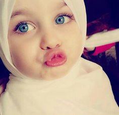 love Young Beautiful Hijabi in The Worlds Hijabers Cilik Cantik Sedunia http://hijabcornerid.com/