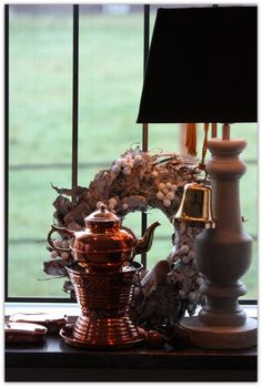 Chocolatera cobre... M & M Chocolate, Teapots, Home And Garden, Table Lamp, Home Decor, Copper, Kittens, Wood, Furniture