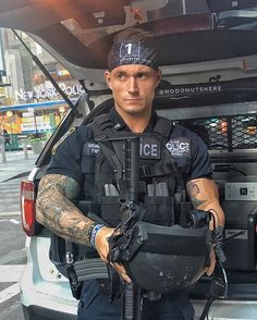 Most of the time, people attempting to become police officers focus on the written and oral exam portion of the tests. Hot Cops, Cop Uniform, Men In Uniform, Military Police, Police Officer, Police Cops, Military Dogs, Airsoft, New York Police