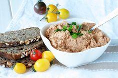 Pasta z tuńczyka danie typu ekspres z dodatkiem suszonych pomidorów i wędzonej papryki! Pyszności! Zapraszam po przepis na bloga