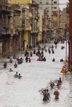 Tristeza en La Habana, paso del Huracán Irma #huracanirma