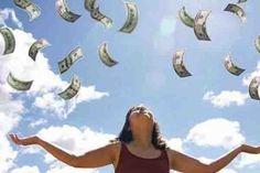 """La Ley de Atracción es una teoría de una fuerza natural que existe en el universo que determina que: """"los iguales se atraen al dinero"""". Su comportamiento..."""