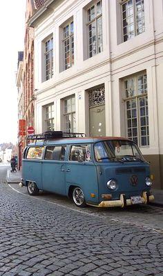Early VW bay window bus