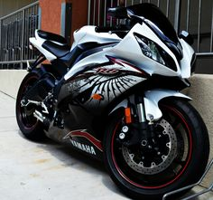 Yamaha R6 hello gorgeous