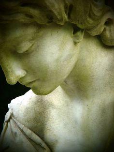 Savannah Cemetery statue