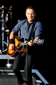 Bruce Springsteen Photos: Hard Rock Calling 2013 - Day 2
