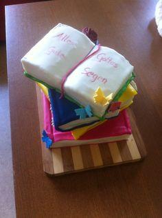 Bücherstapel fondant Kuchen