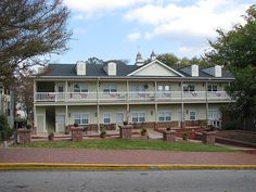 Visit The Park Place Hotel In Dahlonega Georgia With A Variety Of Room Sizes