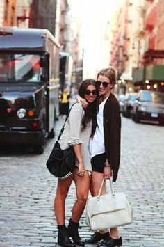 I wish to go to NYC with my BFF for vacation. Visit New York City, Go To New York, Best Friend Bucket List, Best Friend Goals, Travel Outfit Summer, Summer Outfits, Casual Outfits, Sweater, Bffs