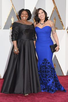 #oscarfashion Actress Whoopi Goldberg (L) and Alex Martin attend the 88th Annual Academy Awards at Hollywood & Highland Center on February 28, 2016 in Hollywood, California.