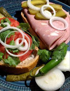 Sandwich Ideas, Sandwich Recipes, Mortadella Sandwich, Iran Food, Iranian Cuisine, Spicy Pickles, New Cooking, Cold Meals, Wrap Sandwiches
