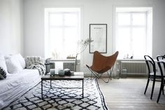 La maison d'Anna G. (Cuero Leather Butterfly Chair, Sweden)