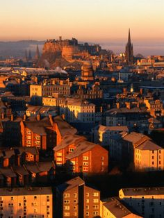 Edinburgh - one of my favorite destinations - love Scotland