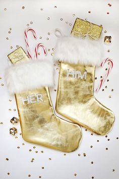Create him and her stockings with this tutorial.