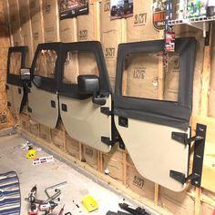 Accessoires Jeep, Jeep Jk, Jeep Stuff, Door Hangers, Garage, Trucks, Couch, Doors, Building
