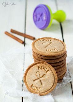 Receta de galletas de canela fáciles paso a paso. Unas galletas crujientes con un gran sabor a canela. Como hacer galletas con sellos. Happy Foods, Flan, Crepes, Food Styling, Crackers, Sweet Recipes, Cookie Recipes, Cupcake Cakes, Biscuits