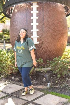 Packers Football Game Day Outfit - I wish the Green Bay Packers would have made it to the Super Bowl here in Houston. I'm still supporting my team in today's blog post by showing what to wear to the Super Bowl or what to wear to a Super Bowl party. I'm talking about casual football fashion, casual game day outfits and why I became a Packers fan on Something Gold, Something Blue a curvy style blog.