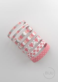 Bead peyote and loom patterns for beaded bracelets de BIJUru Bead Loom Designs, Bead Loom Patterns, Peyote Patterns, Weaving Patterns, Bead Loom Bracelets, Beaded Bracelet Patterns, Peyote Beading, Crochet Bracelet, Loom Bracelets