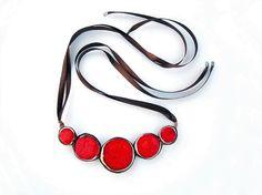 Hey, I found this really awesome Etsy listing at https://www.etsy.com/es/listing/89736087/declaracion-rojo-collar-joyeria-de