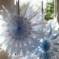 White & Blue Tipped Double Tissue Paper Honeycomb Snowflake - 2 Sizes - Pipii