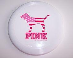 vs pink frisbee.
