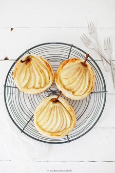 vanilla pear tartlets with marzipan