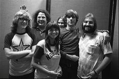 Peter Asher, Mark Volman, Linda Ronstadt, Cate Taylor, John Boylan, and Howard Kaylan.