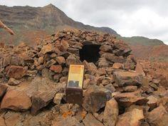 NECRÓPOLIS DE ARTEARA (San Bartolomé de Tirajana, Gran Canaria) - Necrópolis de Arteara - Una de las necrópolis tumulares más grandes de Canarias con más de 800 tumbas en las que se dio sepultura durante siglos a generaciones de indígenas