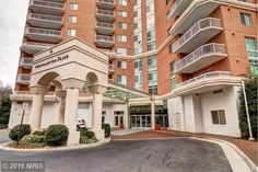 Newly renovated, 1 bed 1 bath condo on the penthouse level! Brought to you by Teresa Sobecki in Alexandria, Virginia!