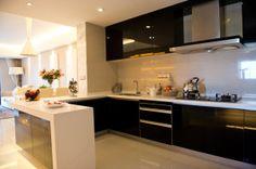 Schicke halboffene Küche