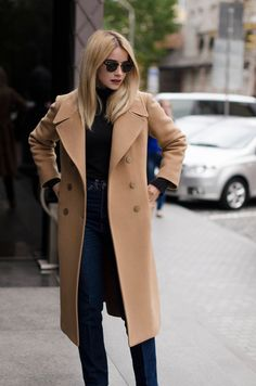 Camel Coat Outfit, Winter Outfits, Casual Outfits, Spring Outfits, Mode Mantel, Look Blazer, Winter Stil, Casual Winter, Long Winter Coats