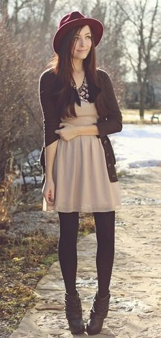 this. is. amazing, love the hat, shirt... is that necklace? love it! the tights or legging and th shoes