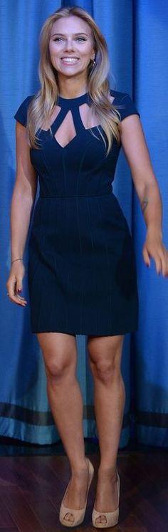 Scarlett Johansson in a Catherine Deane dress and Roger Vivier peep toe pumps @ Jimmy Fallon