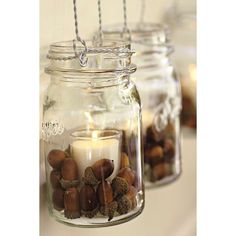Got acorns? I've been consumed with what I can do to decorate for fall, yet stay on a budget. These acorn crafts will help me do just that! decoration mason jars 10 Awesome Acorn Crafts - Fall Decorating on a Budget Decoracion Low Cost, Acorn Crafts, Crafts With Acorns, Vase Fillers, Autumn Crafts, Holiday Crafts, Holiday Ideas, Fall Diy, Autumn Home