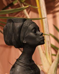 Mayra Neagra - Floraria Venus Venus, Statue, Deco, Deko, Dekorasyon, Dekoration, Sculpture, Decor, Ornament