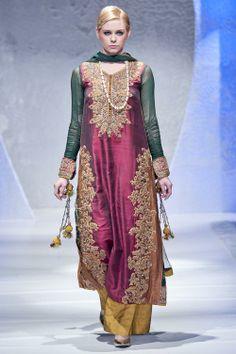 Sara Rohale Asghar at Pakistan Fashion Week London 2012
