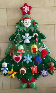 Craft for toddlers christmas felt tree 62 ideas. Kids will love this Christmas Felt tree. They enjoy creating their Christmas tree. Felt Christmas Decorations, Felt Christmas Ornaments, Diy Christmas Ornaments, Christmas Projects, Handmade Christmas, Holiday Crafts, Lawn Decorations, Pallet Christmas, Christmas Stockings