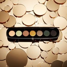 いいね!11.4千件、コメント73件 ― Marc Jacobs Beautyさん(@marcbeauty)のInstagramアカウント: 「Express yourself with high style: The new Eye-Conic Multi-Finish Eye Palette in Edgitorial features…」