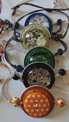 Bracelet capsule nespresso - Maggie S. Diy Jewelry, Jewelery, Handmade Jewelry, Dosette Nespresso, Cappuccino Machine, Button Bracelet, Heart Bracelet, Coffee Pods, Coffee Beans