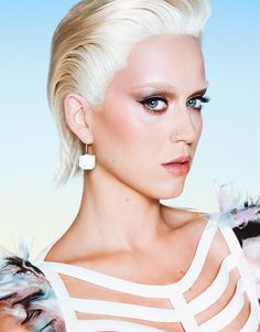 katy perry looks unrecognizable with blonde hair eyebrows 05 Katy Perry rocks short blonde hair in a feature for Wonderland's latest issue, which is out on newsstands now! Here's what the singer had to share… Katy Perry Photos, Blonde Hair Eyebrows, Keti Perri, Famous Girls, Short Blonde, Platinum Blonde, Celebs, Celebrities, Celebrity Pictures
