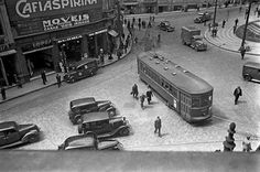 Praça do Correio (o quarteirão à esquerda foi demolido para a construção da Avenida Prestes Maia) Ano: década de 1940