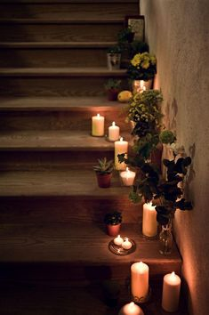 Wedding in Spain. Rustic wedding. Yellow wedding. Stairs deco. Candles. Spanish wedding planner. El sofa amarillo.