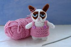 Grumpy Cat crochet pattern: Grumpy Cat amigurumi in a pink dress / amigurumi pattern for Grumpy Cat auf Etsy, 3,09 €