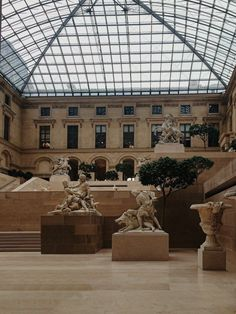 Brown Aesthetic, Aesthetic Art, Photographie Portrait Inspiration, Visualisation, Travel Aesthetic, Art And Architecture, Provence, Art Museum, Light In The Dark