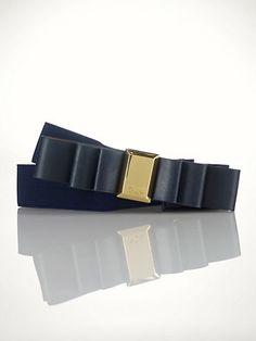 Stretch bow belt.