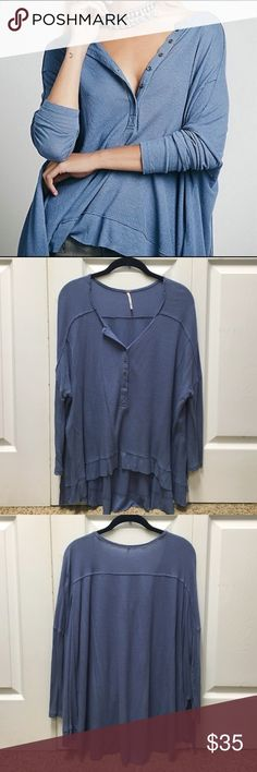 """Free People Benedict Canyon Henley Free People light weight, super comfy henley with dolman sleeves and a high low hem. Partial button-up front. """"We The Free brings us back to our down-to-earth, All-American roots, made mostly with casual cottons that have a lightly distressed and perfectly worn in feel""""  NO TRADES  OFFERS WELCOME ✨HP✨ Free People Tops"""